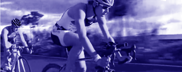 Vélo de Triathlon pour Femme, faut-il investir sur un vélo spécifique ?